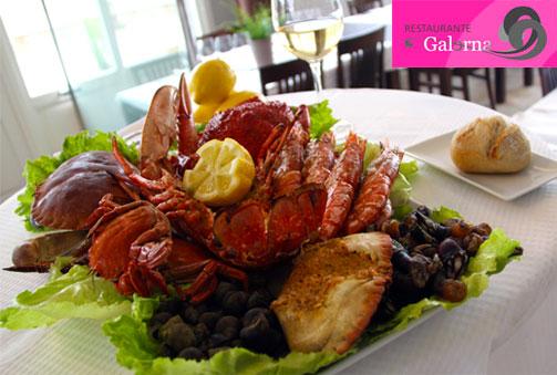 Mariscada en la orilla de la playa de Orio, Restaurante Galerna