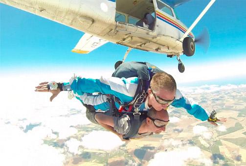 Skydive: Salto en caída libre desde 3.500 m acompañado de un instructor