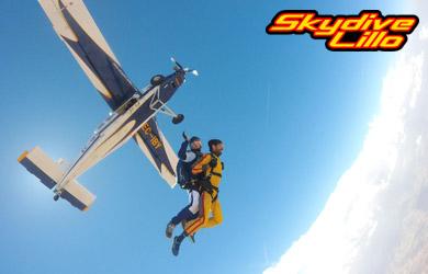 Salto en caída libre desde 4.000 m para una persona