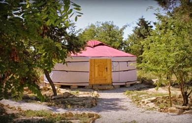 Estancia 2 noches de alojamiento en Yurta con detalle de bienveni